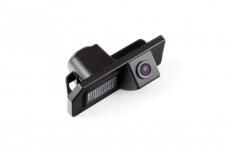 Автомобильная камера заднего вида в штатное место подсветки номерного знака для